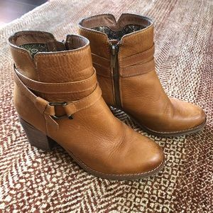 Sperry Top Sider tan leather boots! 👢